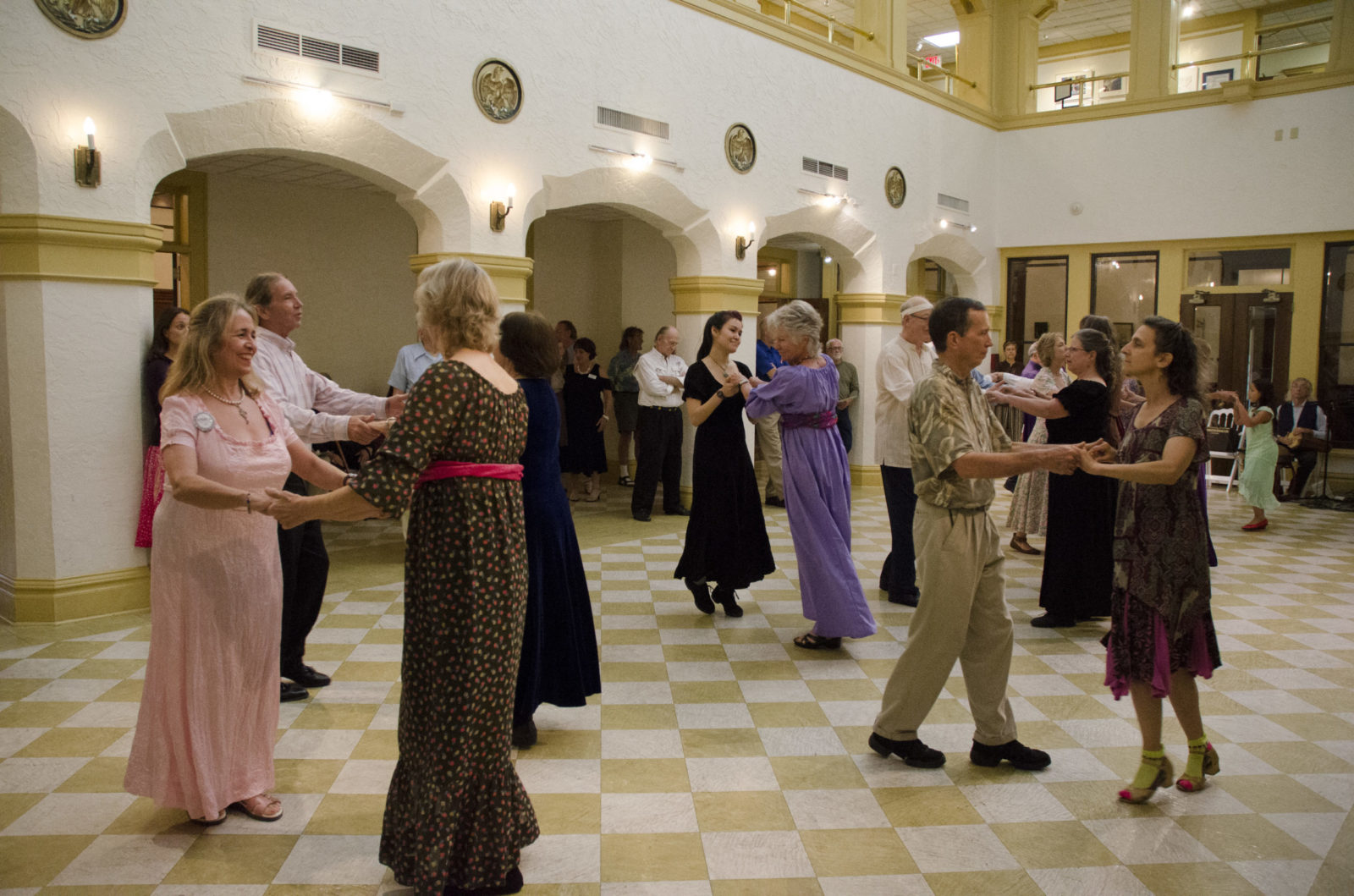 English Country Dance at the Historic Thomas Center